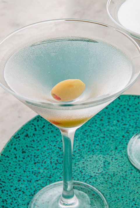 classic vodka martini    vodka cocktails