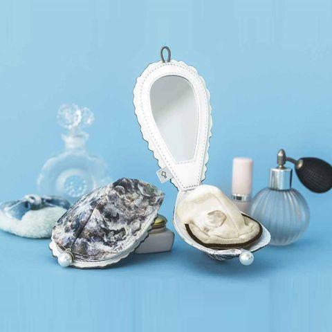 用海鮮補妝好狂!日本品牌YOU+MORE推出「牡蠣粉撲造型鏡」