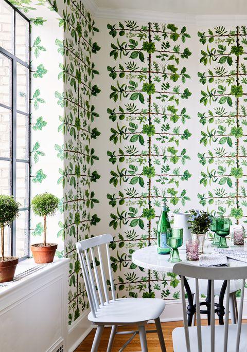 diningroom of lilse mckenna home