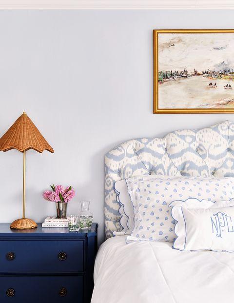 bedroom of lilse mckenna home