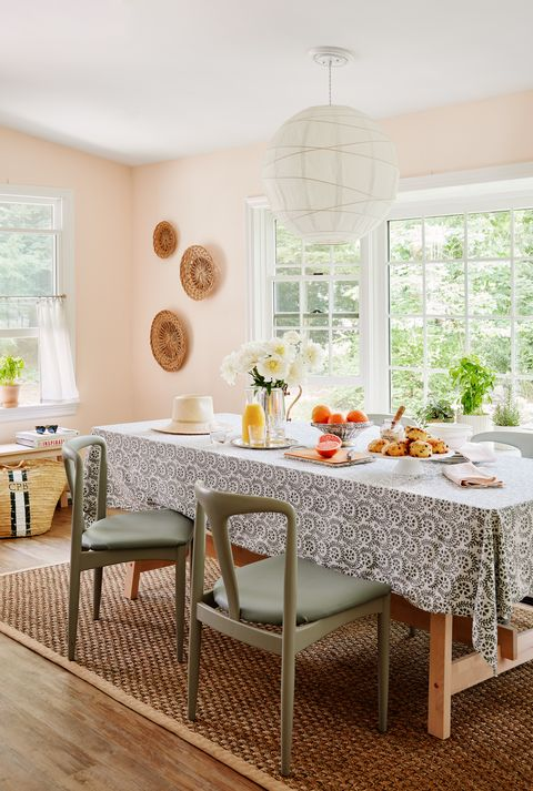 breakfast table, green chairs