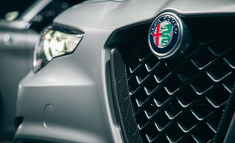 Land vehicle, Vehicle, Car, Automotive design, Alfa romeo, Alfa romeo giulietta, Grille, Family car, Luxury vehicle, Alfa romeo mito,