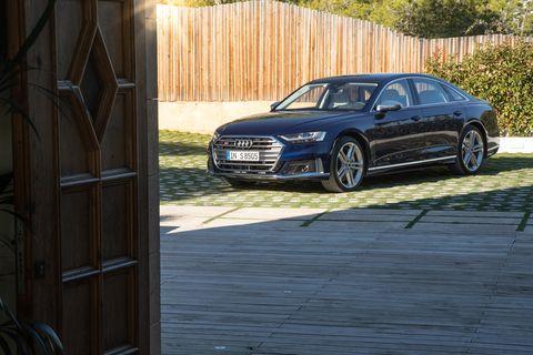 Land vehicle, Vehicle, Car, Luxury vehicle, Audi, Executive car, Automotive design, Personal luxury car, Sedan, Mid-size car,