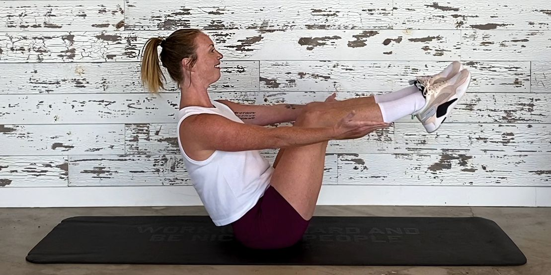Build Flexibility and Mobility in 17 Minutes With This Yoga-Inspired Core Workout