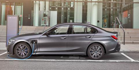 View Photos of the 2020 BMW 330e