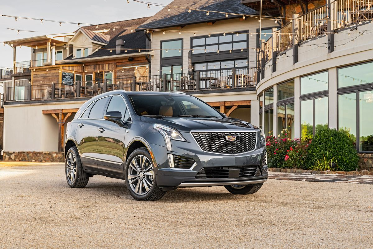 The 2020 Cadillac Xt5 Looks Better Gets A New Engine And Costs More