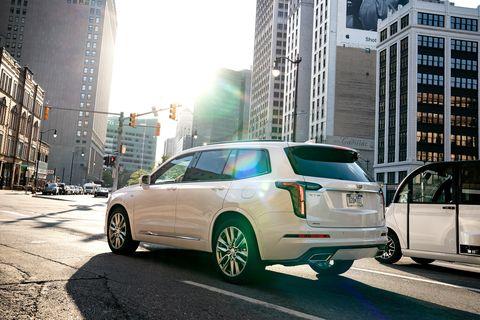 Land vehicle, Vehicle, Car, Automotive design, Sport utility vehicle, Luxury vehicle, Crossover suv, Automotive exterior, Mid-size car, Compact car,