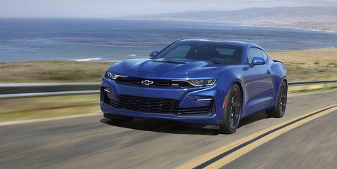 Land vehicle, Vehicle, Car, Automotive design, Performance car, Personal luxury car, Luxury vehicle, Mid-size car, Road, Landscape,