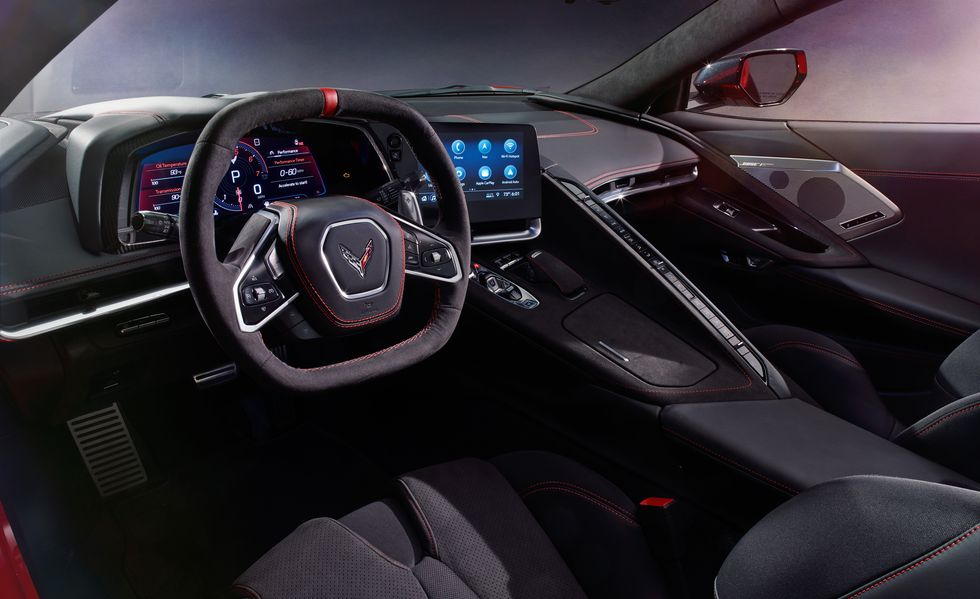 2020-chevrolet-corvette-interior-1563488
