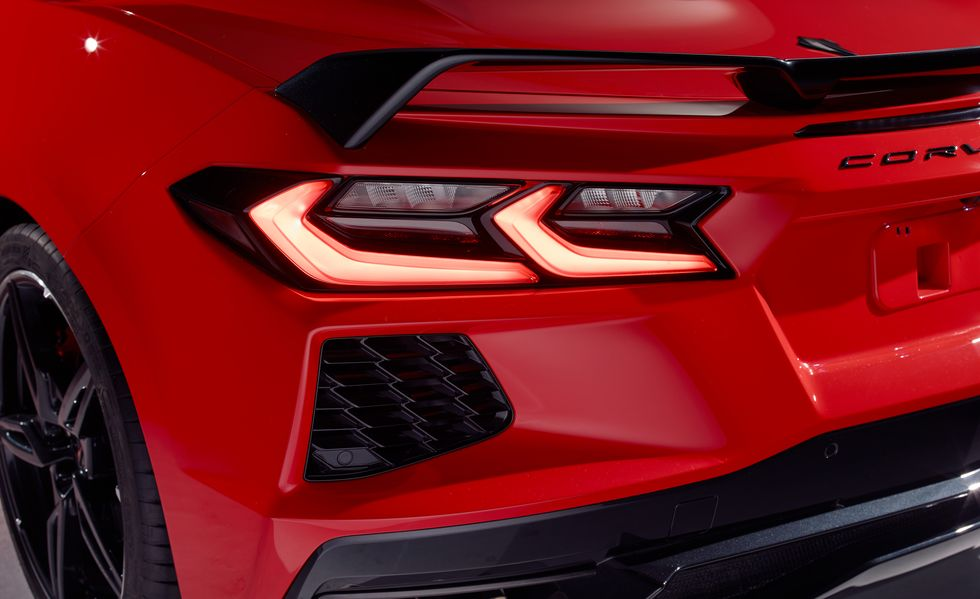 2020-chevrolet-corvette-taillight-156349