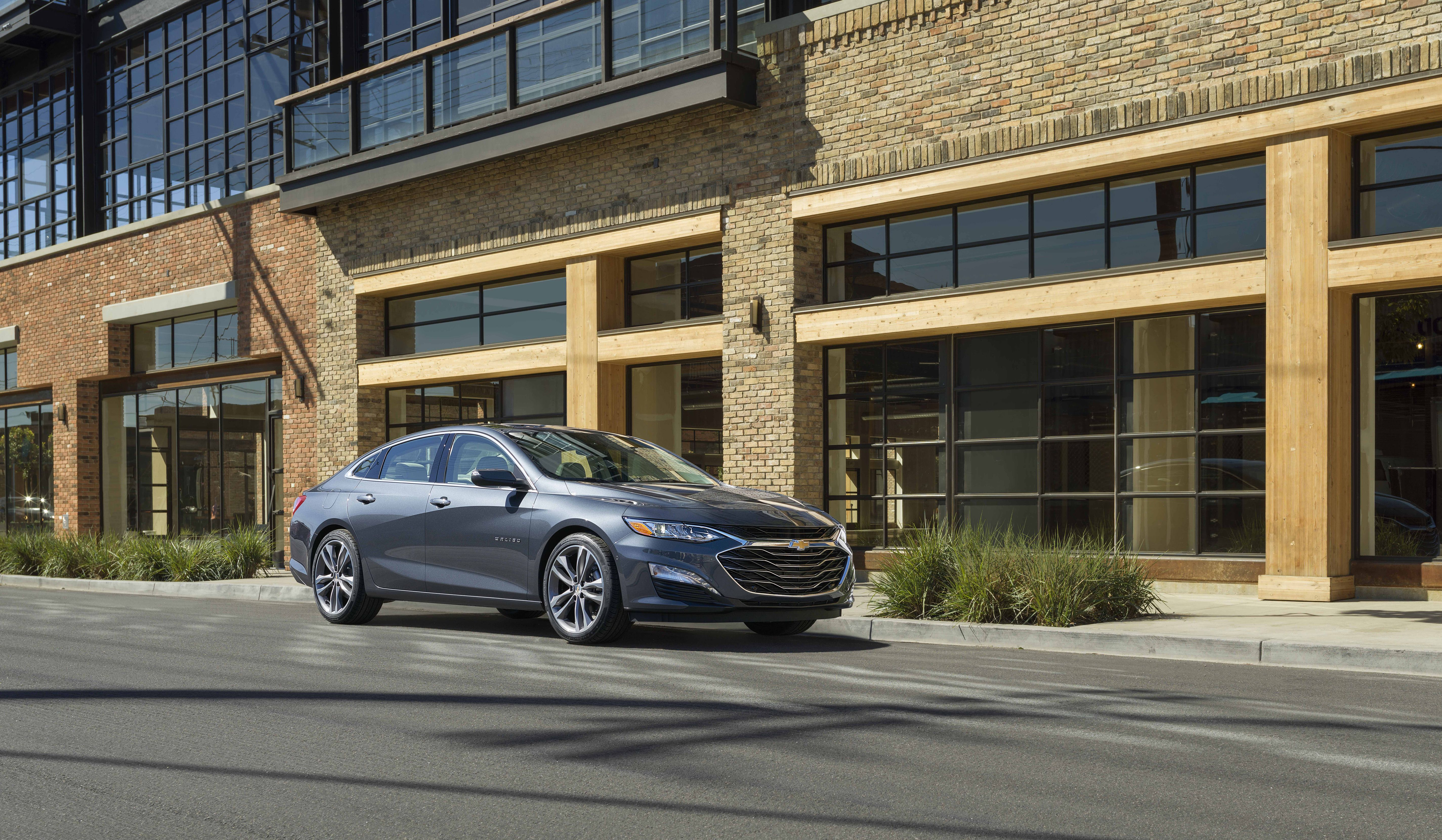 Chevy Malibu Mpg >> 2020 Chevrolet Malibu Review Pricing And Specs
