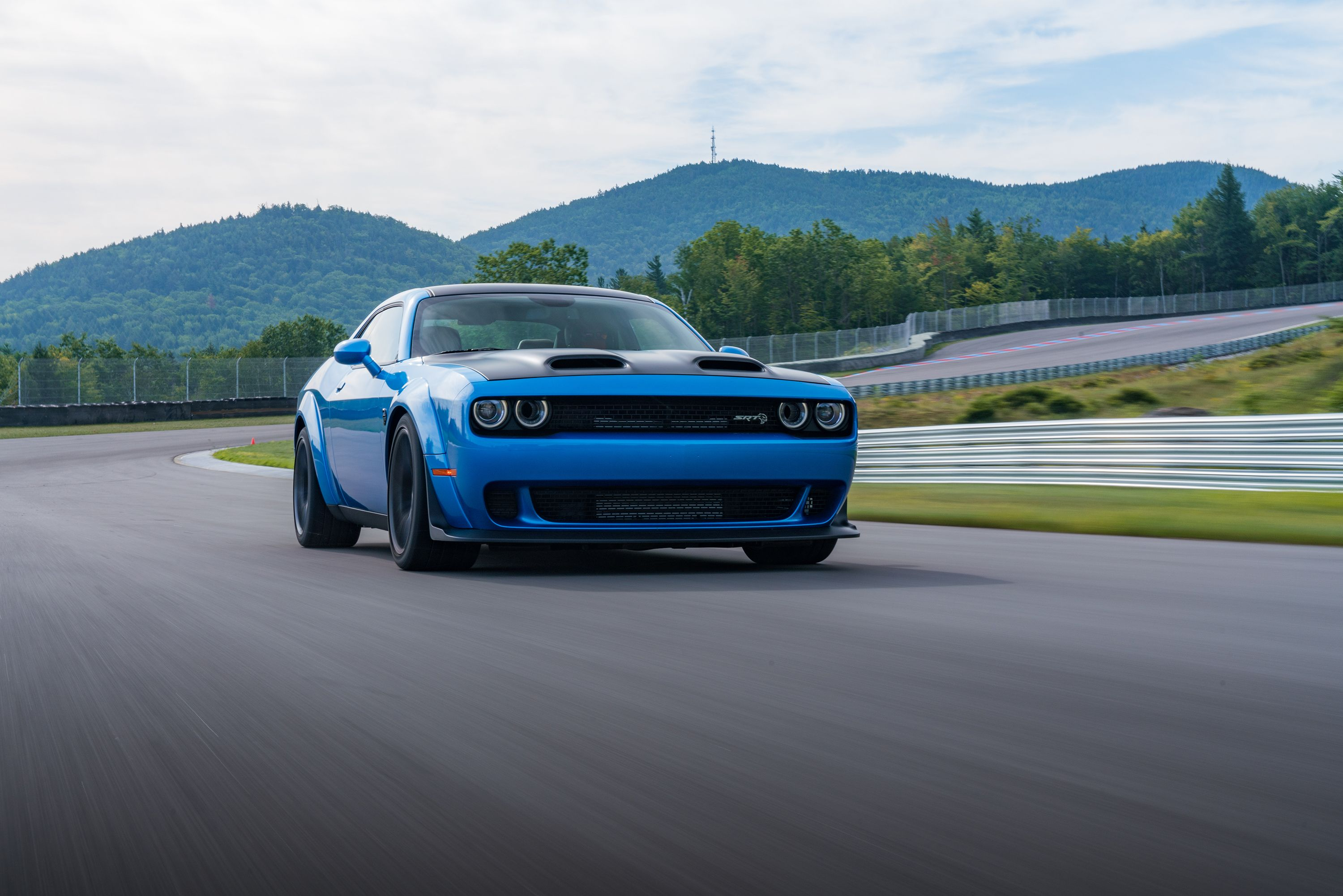 2020 Dodge Challenger Srt Hellcat Review Pricing And Specs