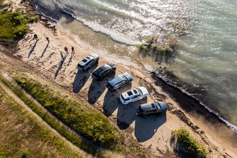 Water, Coast, Sand, Vehicle, Geological phenomenon, Aerial photography, Shore, Rock, Landscape, Sea,
