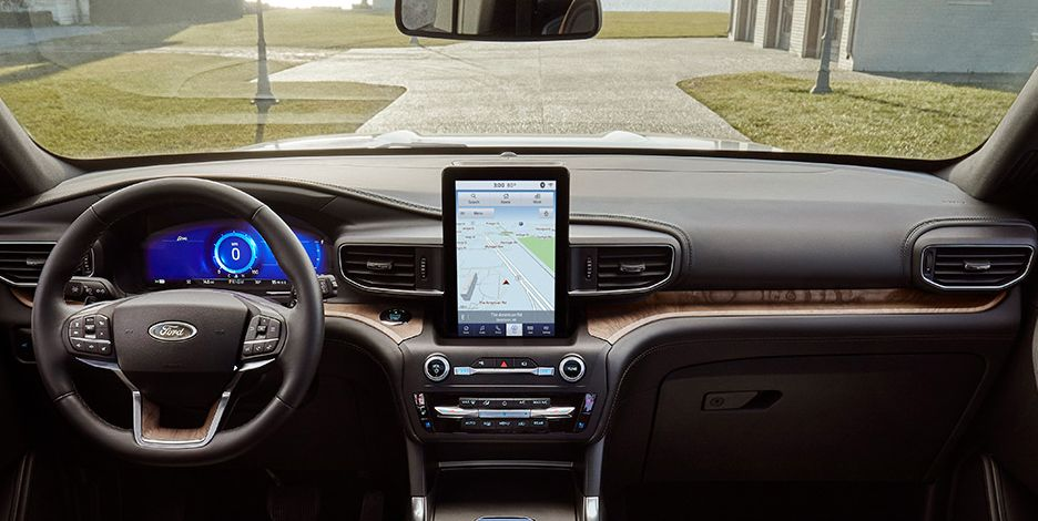 2020 Ford Explorer – See the Giant Vertical Touchscreen
