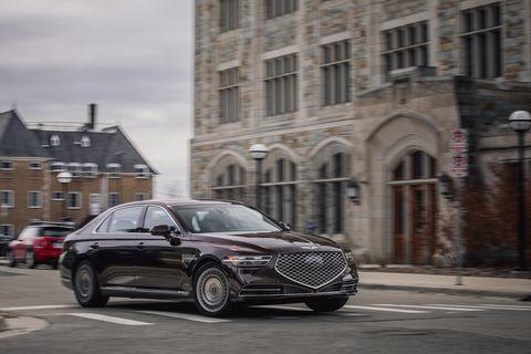 Land vehicle, Vehicle, Car, Mid-size car, Luxury vehicle, Automotive design, Infrastructure, Sedan, Street, Full-size car,
