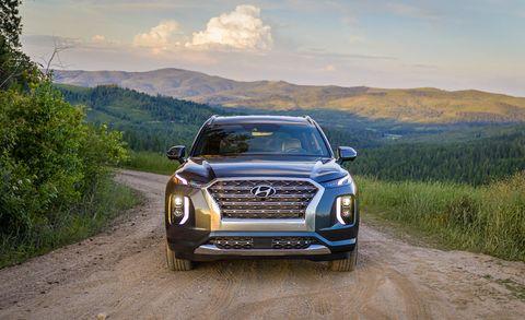 Land vehicle, Vehicle, Car, Automotive design, Sport utility vehicle, Bumper, Compact sport utility vehicle, Landscape, Crossover suv, Mid-size car,