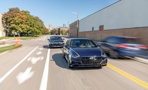 Land vehicle, Vehicle, Car, Automotive design, Luxury vehicle, Performance car, Mode of transport, Transport, Personal luxury car, Mid-size car,