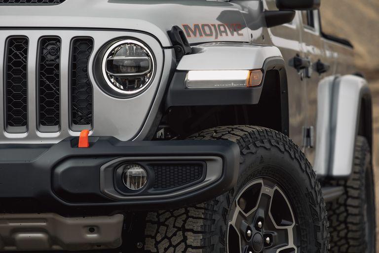 [Image: 2020-jeep-gladiator-mojave-4x4-119-15870...size=768:*]