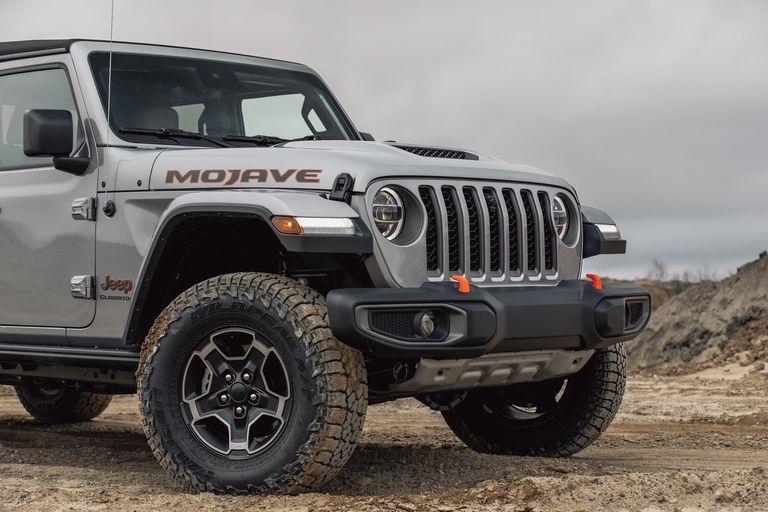 [Image: 2020-jeep-gladiator-mojave-4x4-165-15870...size=768:*]