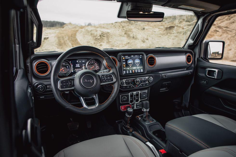 [Image: 2020-jeep-gladiator-mojave-4x4-219-15870...size=980:*]