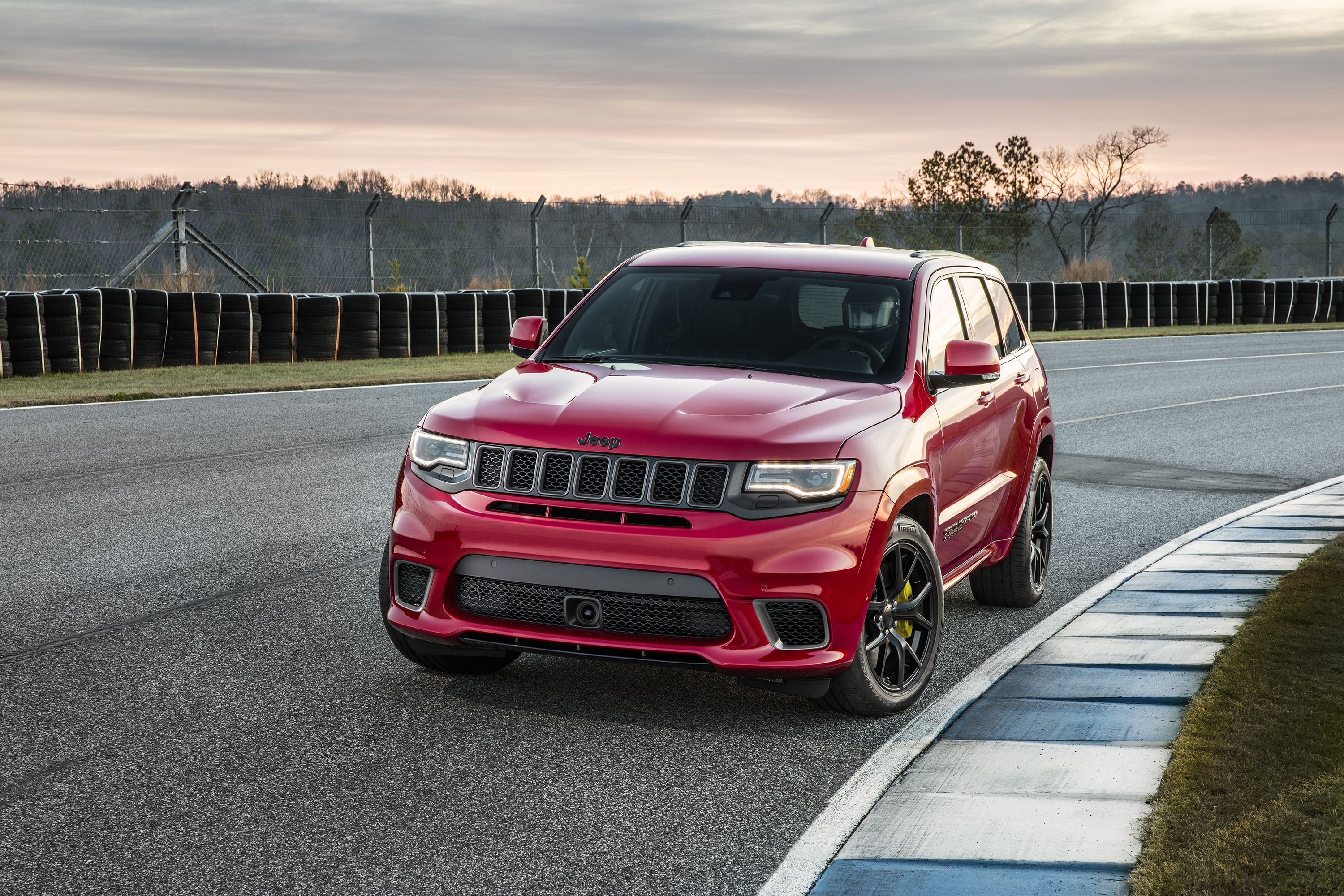 2018 Jeep Grand Cherokee Trackhawk Trackhawk 4x4 Features And Specs