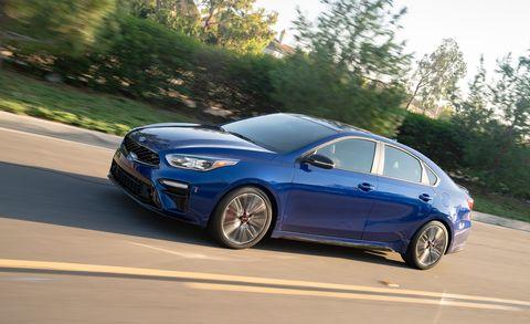 Land vehicle, Vehicle, Car, Mid-size car, Full-size car, Automotive design, Family car, Rim, Sports sedan, Sedan,