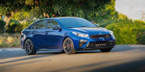 Land vehicle, Vehicle, Car, Automotive design, Mid-size car, Motor vehicle, Full-size car, Ford motor company, Rim, Hatchback,