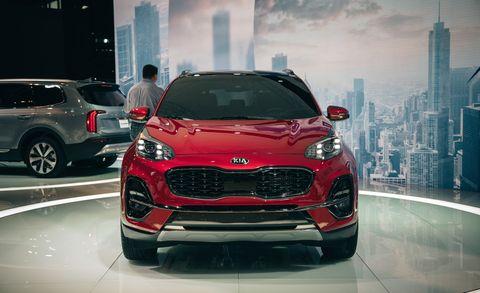 Land vehicle, Vehicle, Car, Motor vehicle, Automotive design, Auto show, Performance car, Sport utility vehicle, Mini SUV, Grille,