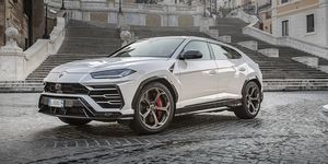 2020 Lamborghini Ururs front