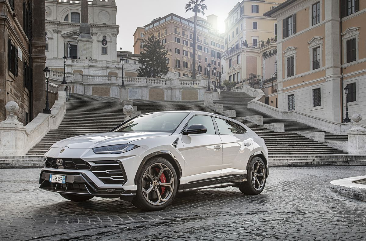 2020 Lamborghini Urus Review Pricing And Specs