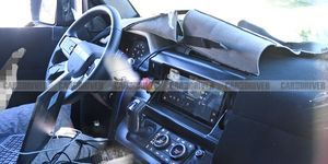 2020 Land Rover Defender interior (spy photo)
