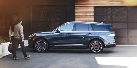 View Photos of the 2020 Lincoln Aviator