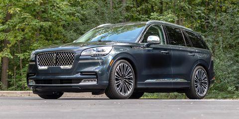 Land vehicle, Vehicle, Car, Automotive design, Motor vehicle, Rim, Automotive tire, Sport utility vehicle, Mid-size car, Family car,