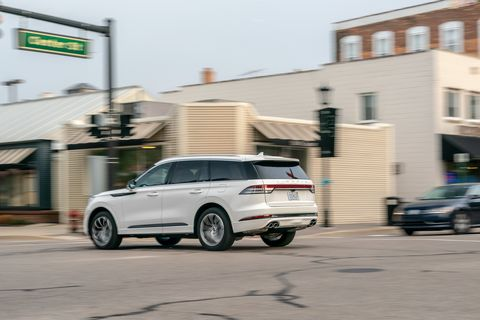 2020 Lincoln Aviator rear