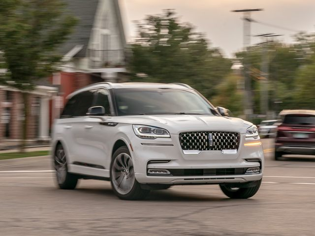 2020 Lincoln Navigator Price Update Interior >> 2020 Lincoln Aviator Review Pricing And Specs