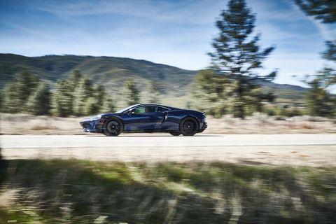 2020 McLaren GT side