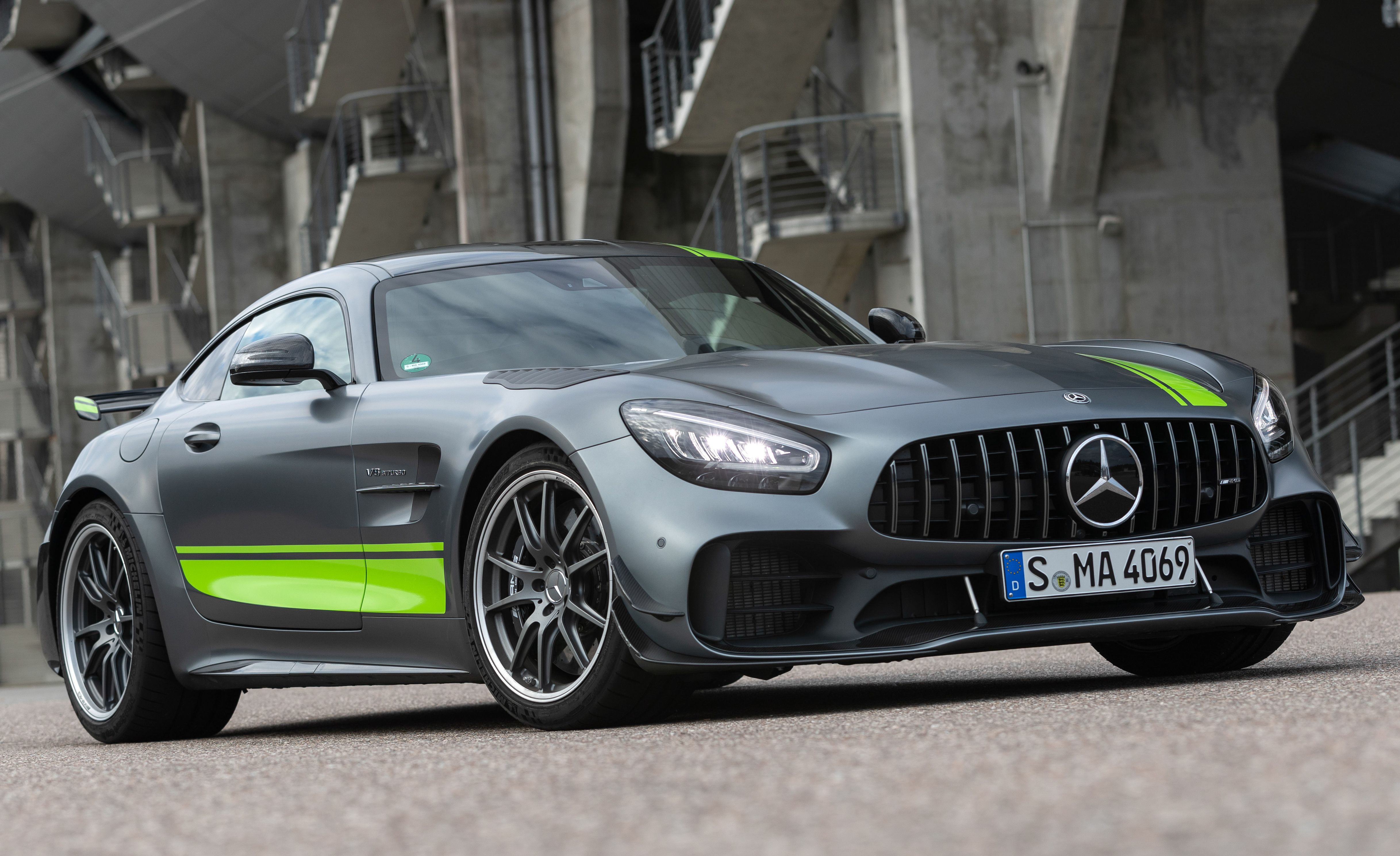 See Photos Of The 2020 Mercedes Amg Gt R Pro