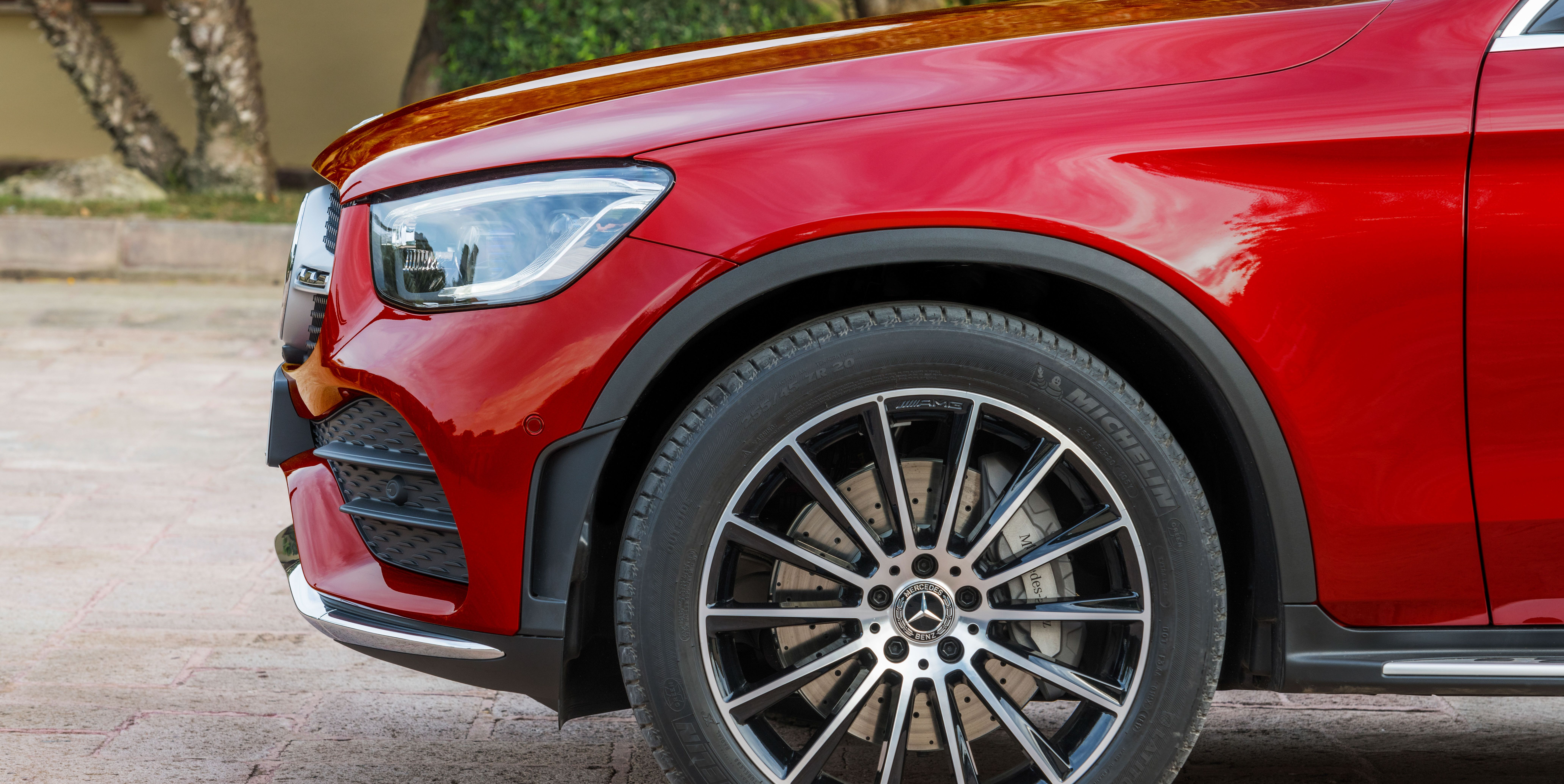 See Photos of the 2020 Mercedes-Benz GLC300 Coupe