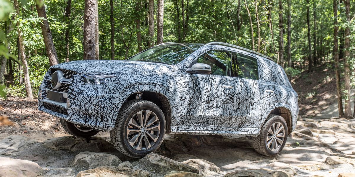 2020 Mercedes-Benz GLE450 Frees Itself from a Deep Sand ...