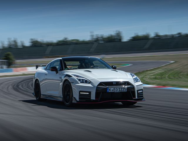 How Much Horsepower Does A Gtr Have >> 2020 Nissan Gt R Review Pricing And Specs
