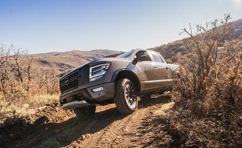 Land vehicle, Vehicle, Car, Off-roading, Automotive tire, Tire, Off-road vehicle, Pickup truck, Automotive design, Landscape,