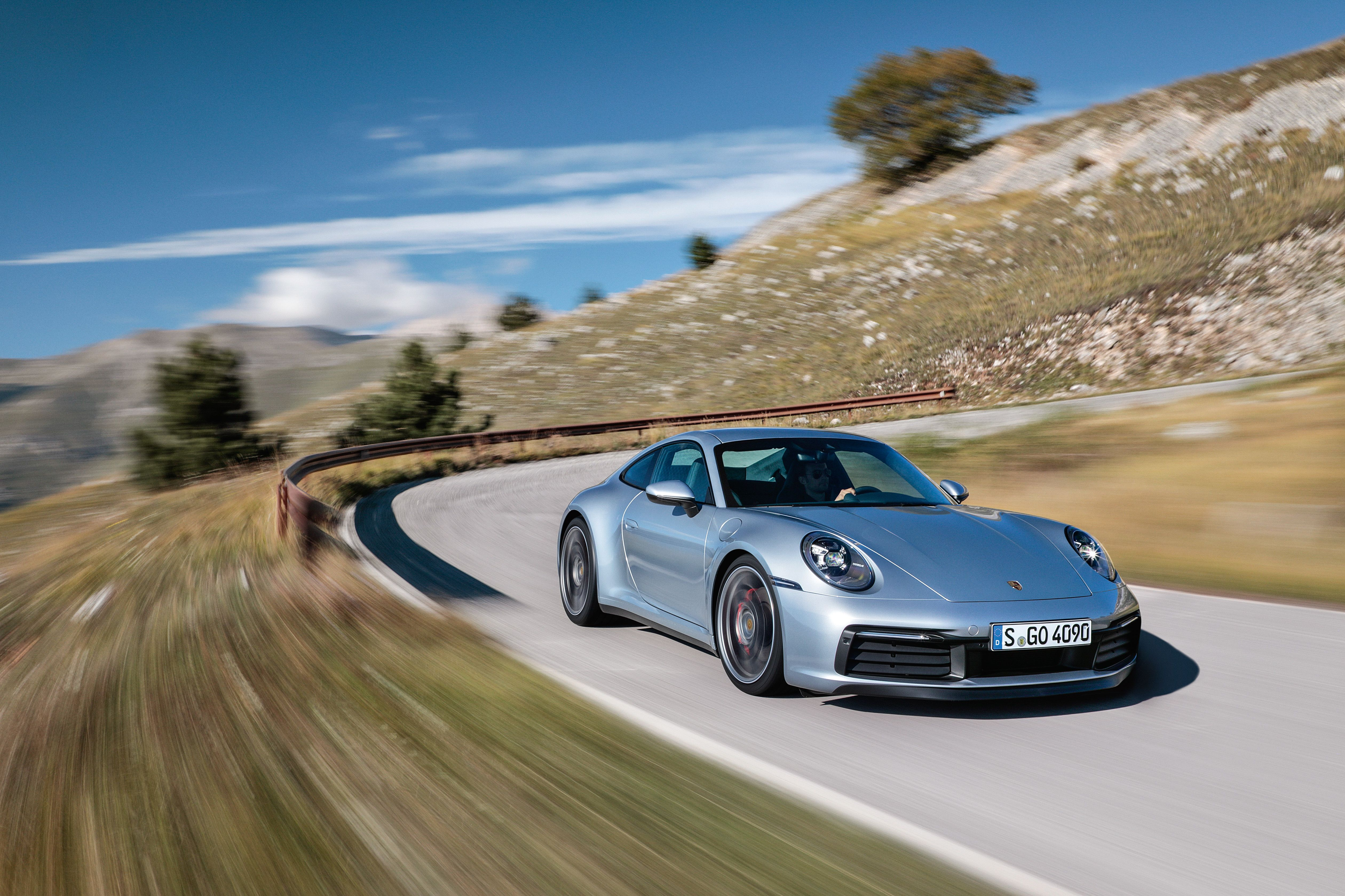 2020 Porsche 911 Review, Pricing, and Specs