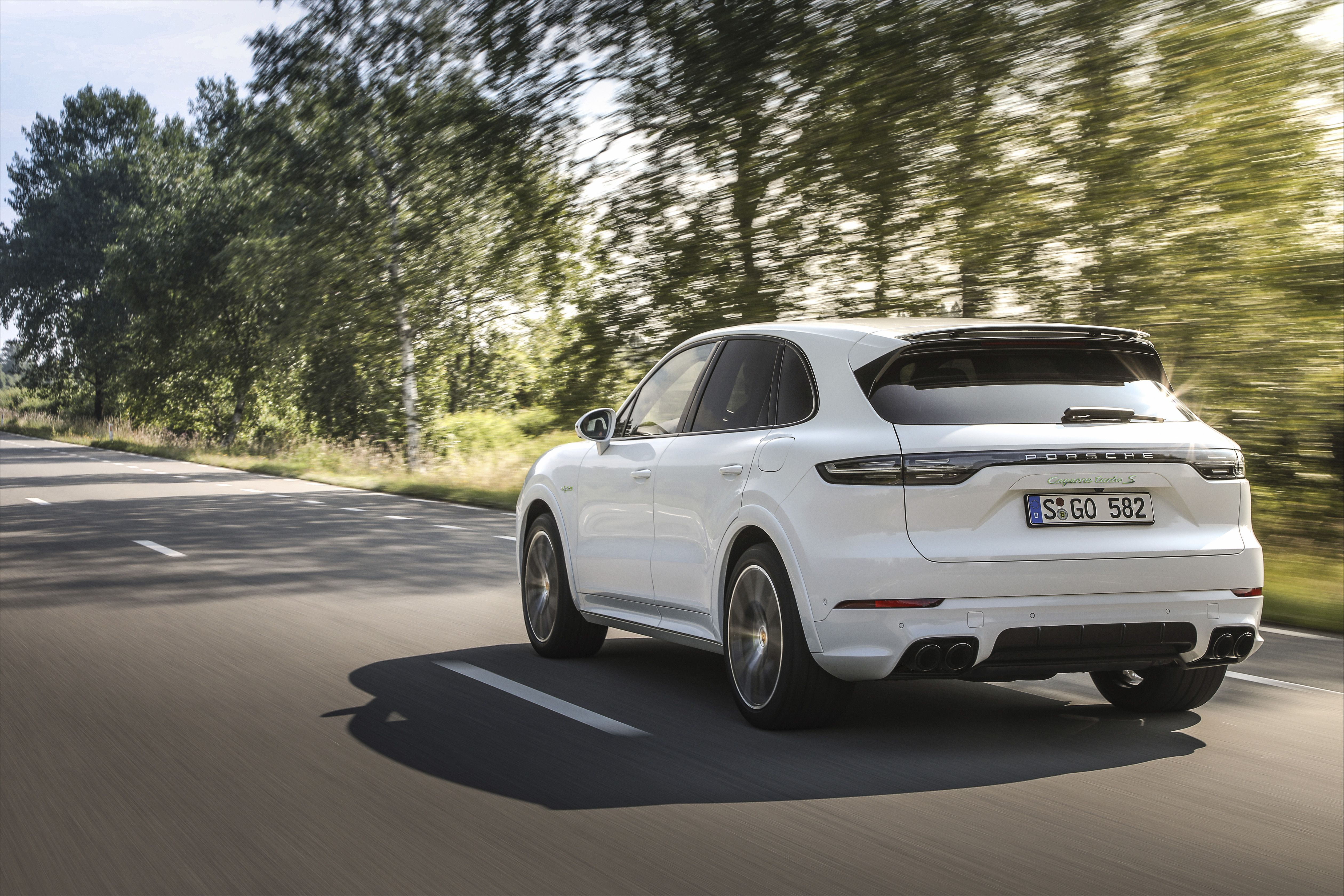2020 Porsche Cayenne Turbo S E Hybrid Revealed With Photos Specs