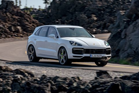 2020 Porsche Cayenne Turbo S E Hybrid Is Large And In Charge