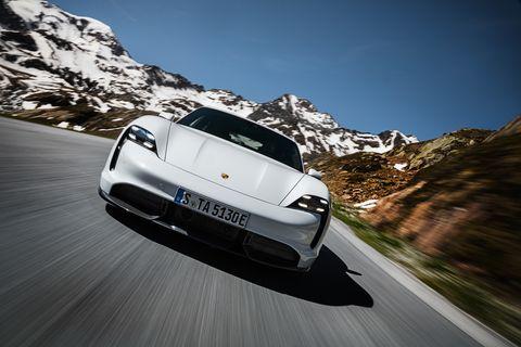 Mode of transport, Automotive design, Vehicle, Mountain range, Automotive mirror, Headlamp, Automotive lighting, Car, Automotive exterior, Personal luxury car,