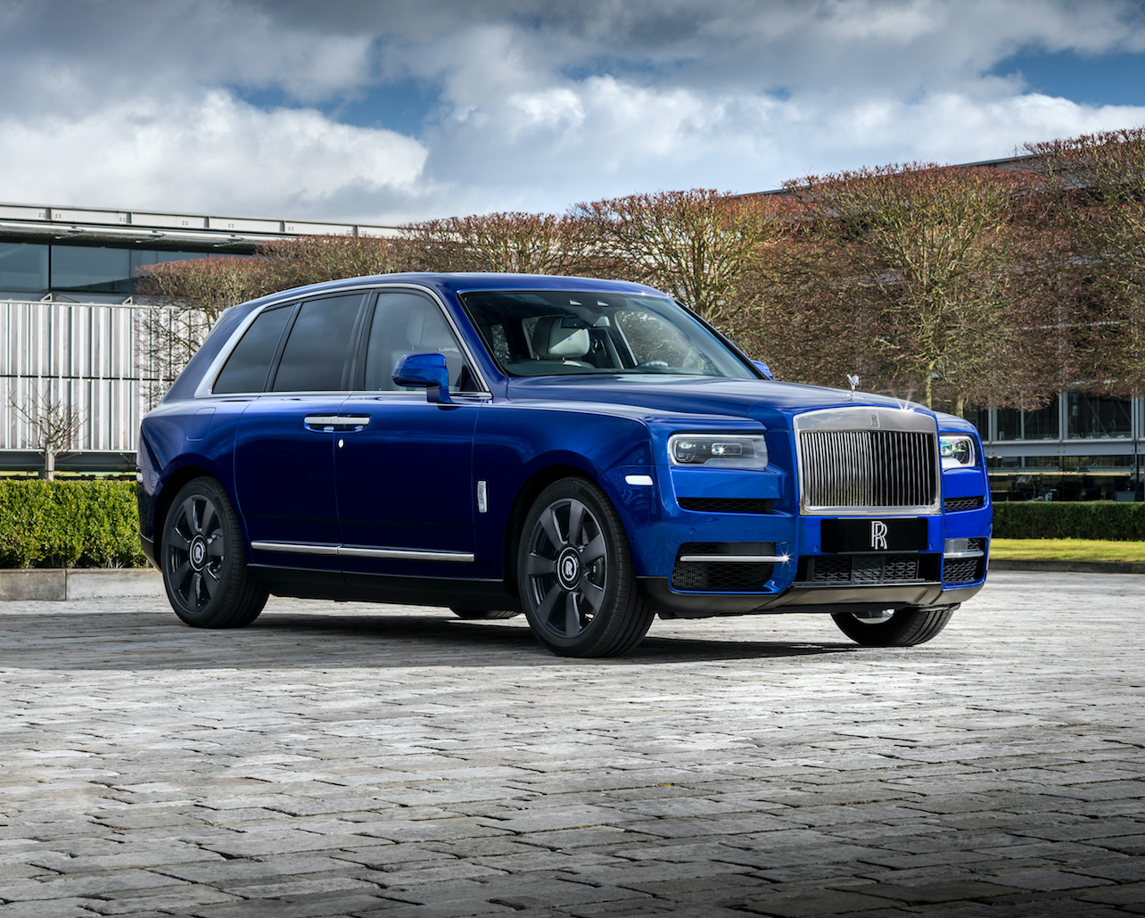 2020 Rolls Royce Cullinan Review Pricing And Specs