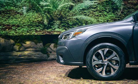 Land vehicle, Vehicle, Car, Alloy wheel, Automotive tire, Wheel, Automotive design, Tire, Rim, Automotive wheel system,