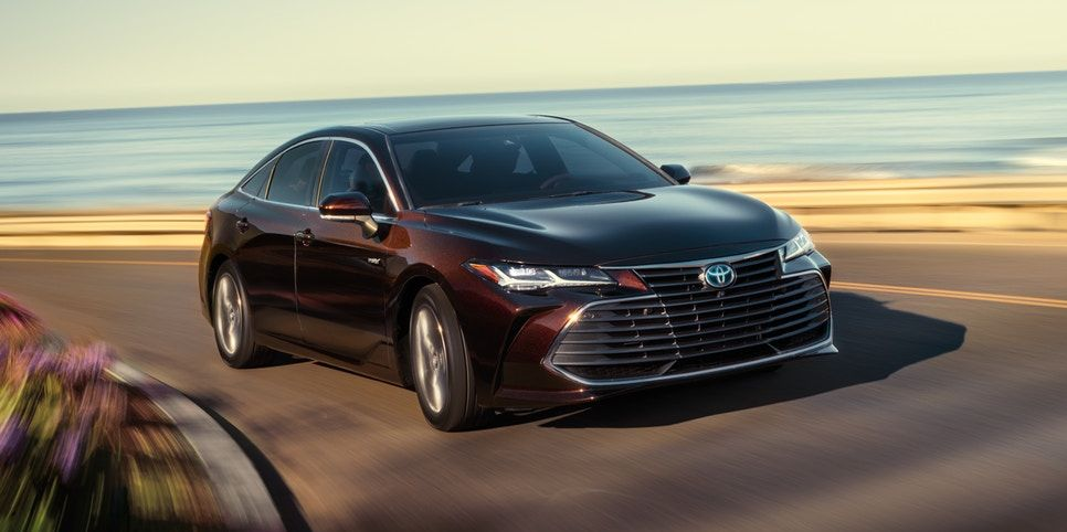 2020 Toyota Avalon Review, Pricing, and Specs