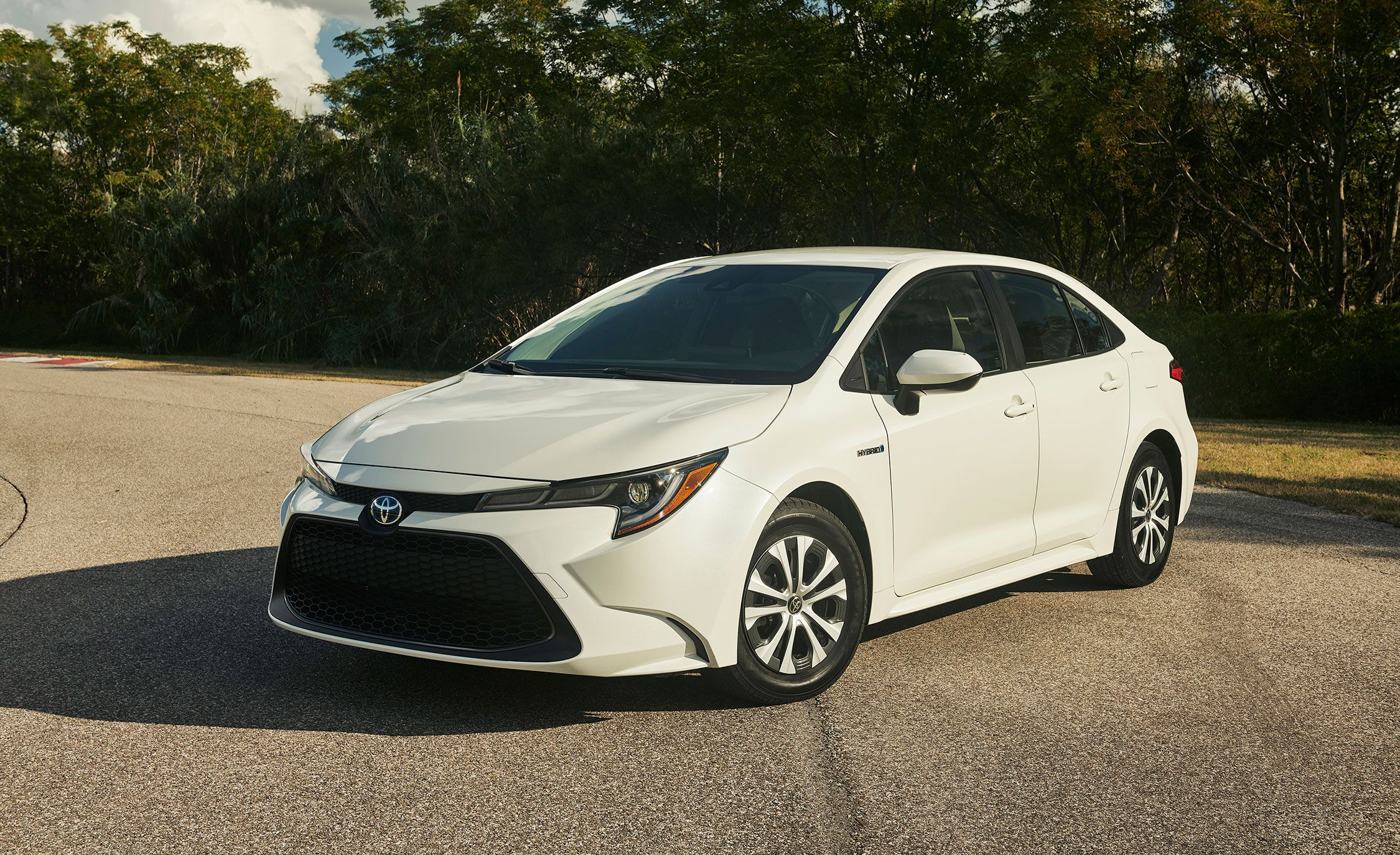 Toyota Hybrid Cars >> 25 Of The Best Hybrid Cars In 2019 Every New Hybrid For Sale