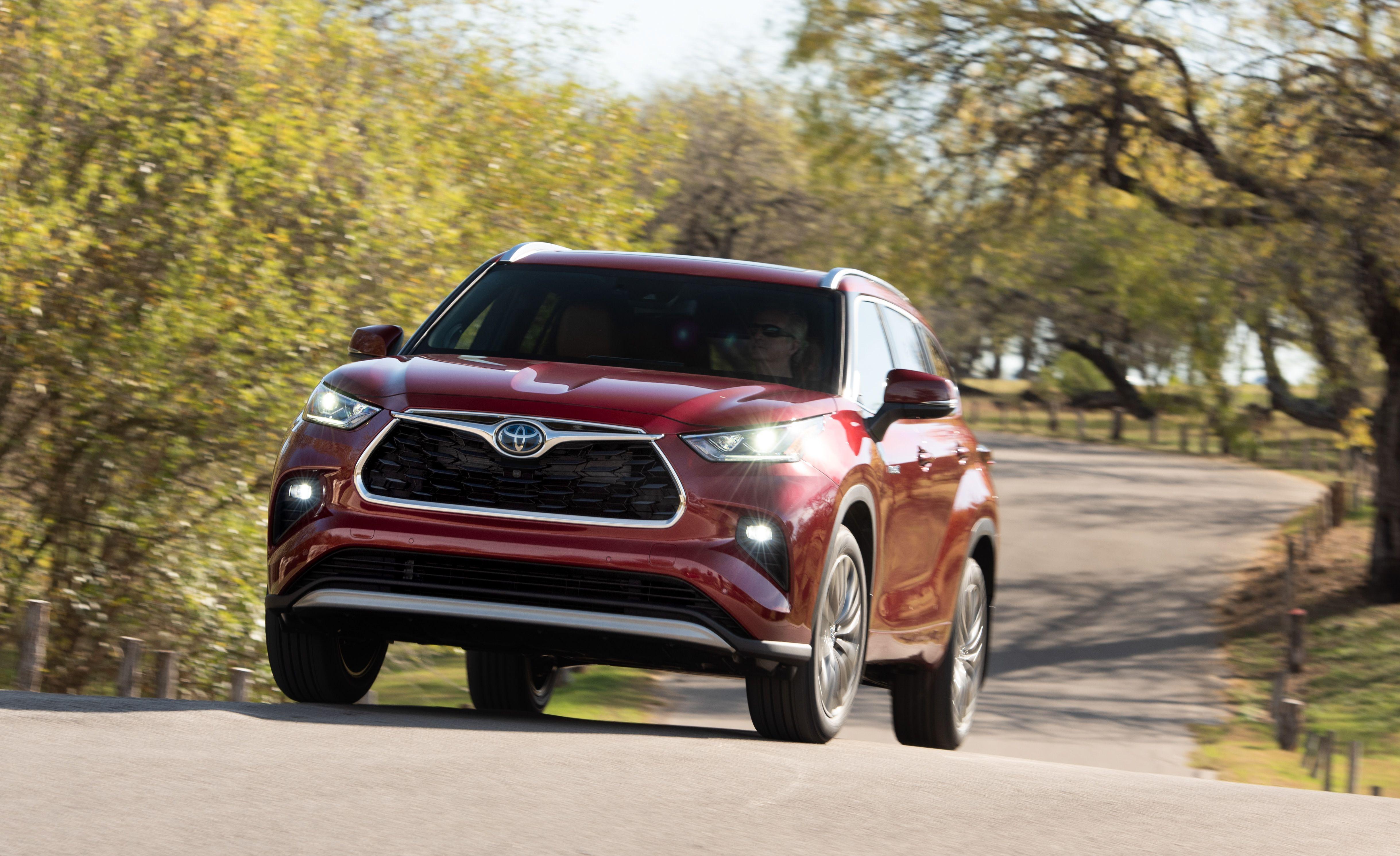 2020 Toyota Highlander Ups Its Three Row Suv Ante